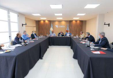 Más peronismo y shock de consumo para ganar la elección, el acuerdo de Alberto Fernández con los gobernadores
